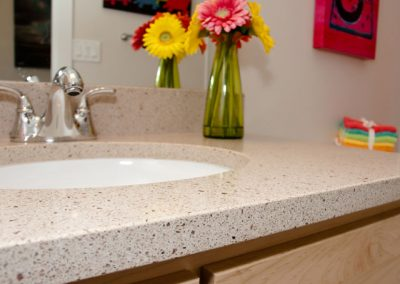 solid surface countertop - photo 5
